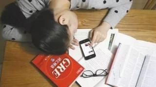 学生因沉迷手机自杀事件频发,原因很复杂!
